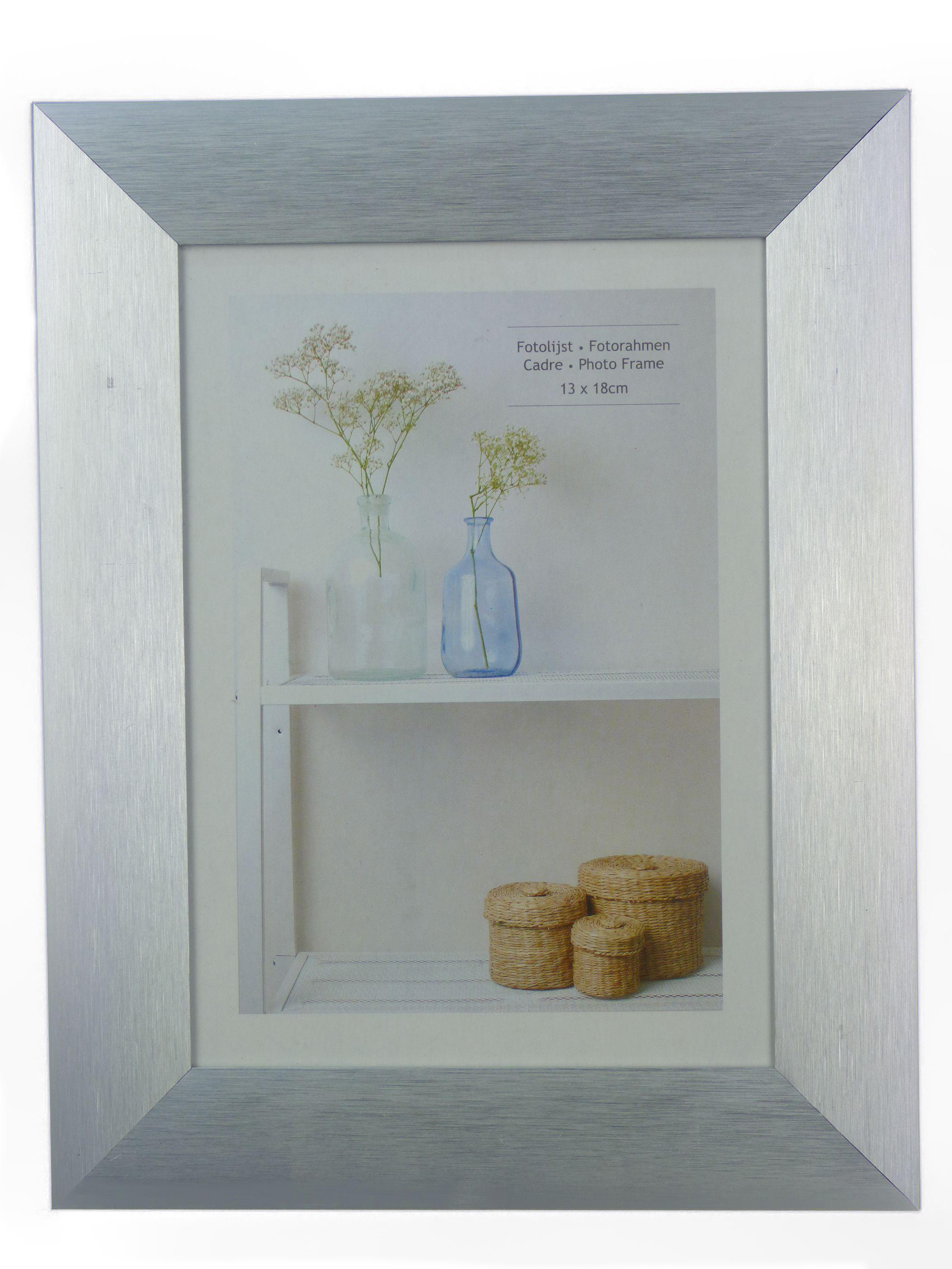 bilderrahmen aluminium fotorahmen bilder fotos 10x15 und 13x18 cm silber rahmen ebay. Black Bedroom Furniture Sets. Home Design Ideas